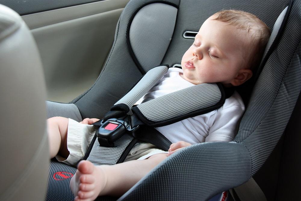 Quanto sono sporchi i seggiolini per bambini in automobile?