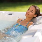 Perché la la vasca idromassaggio viene anche chiamata jacuzzi?
