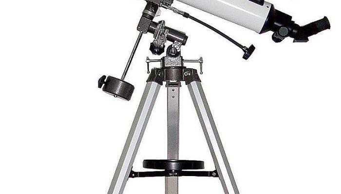 Che differenza c'è tra un telescopio riflettore e uno rifrattore?