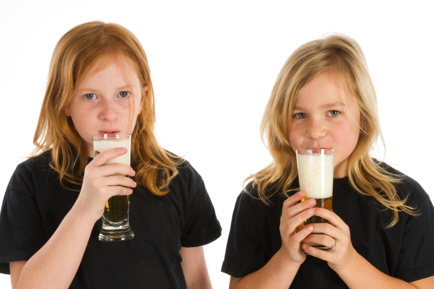 Cosa succede se un bambino beve alcolici?