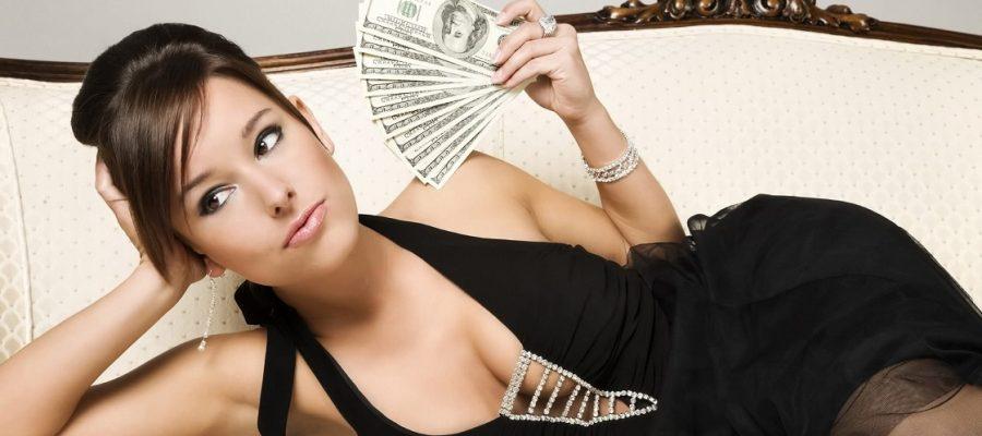 Cosa accade quando una donna guadagna più di un uomo?