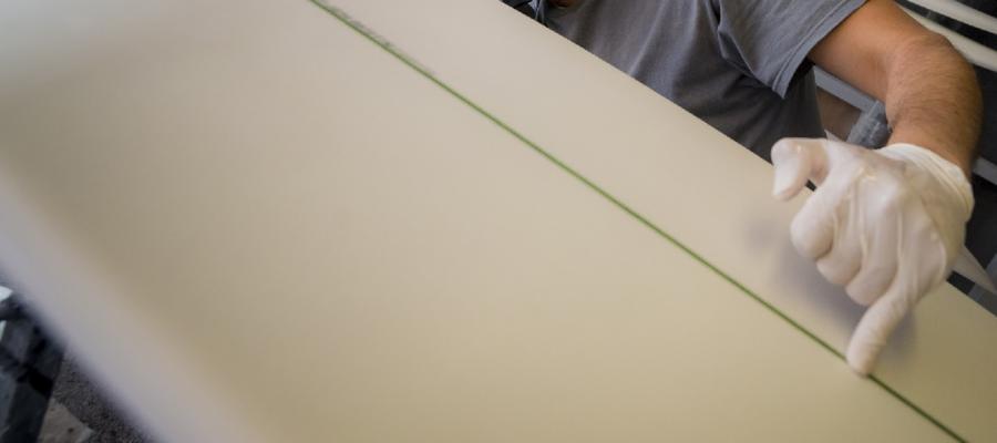 È possibile fare una tavola da surf con le alghe?