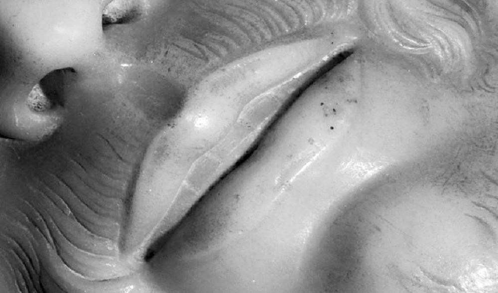 Il Cristo della Pietà ha un dente in più