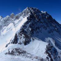 Perché non cadono fulmini in cima all'Everest?