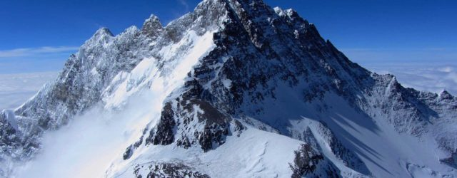 Perché non cadono fulmini in cima all'Everest?
