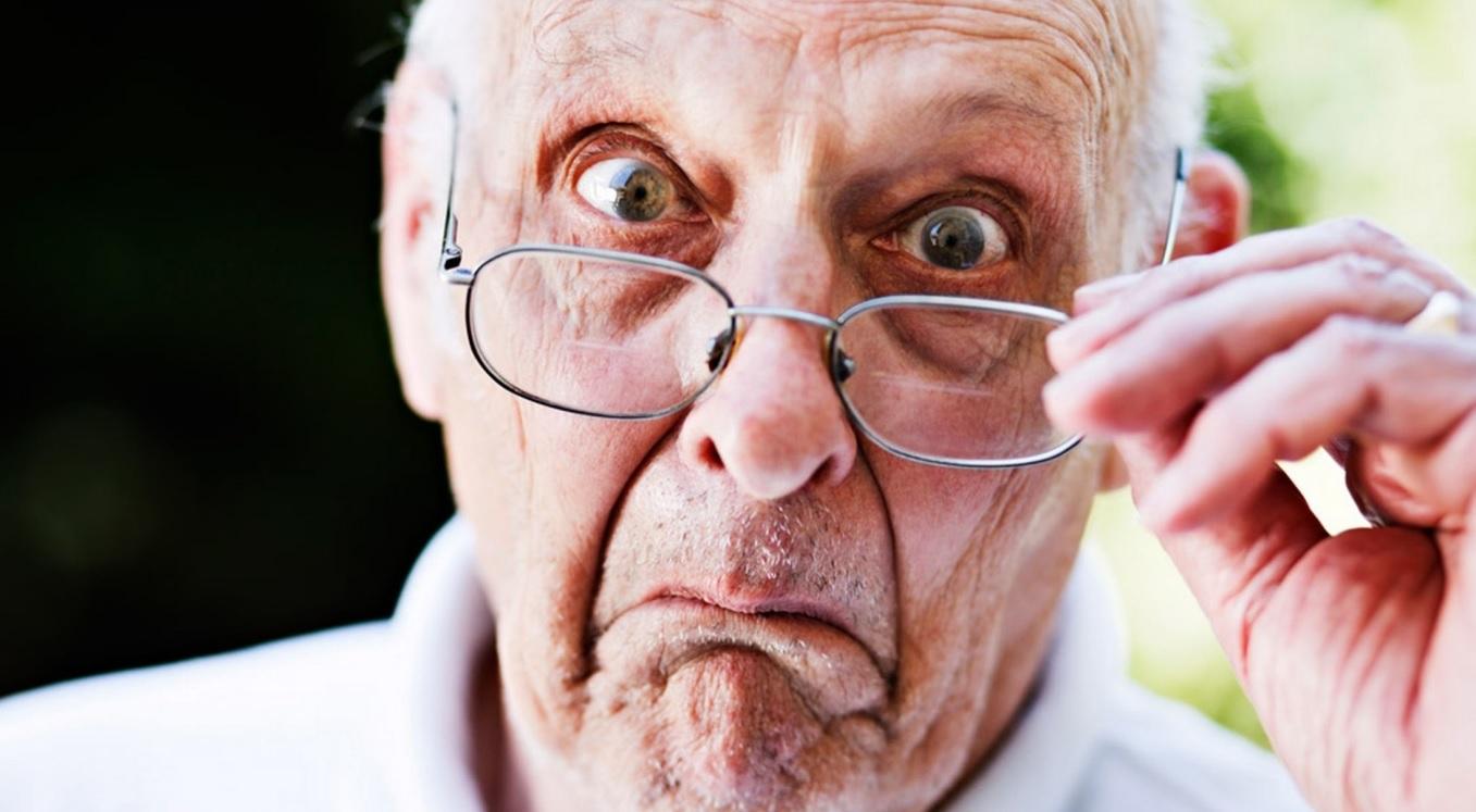 Perché invecchiando la vista cala?