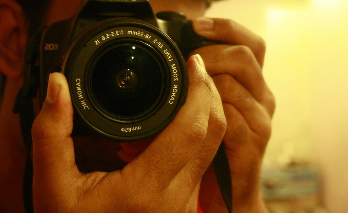 Scattare fotografie ci aiuta a ricordare?