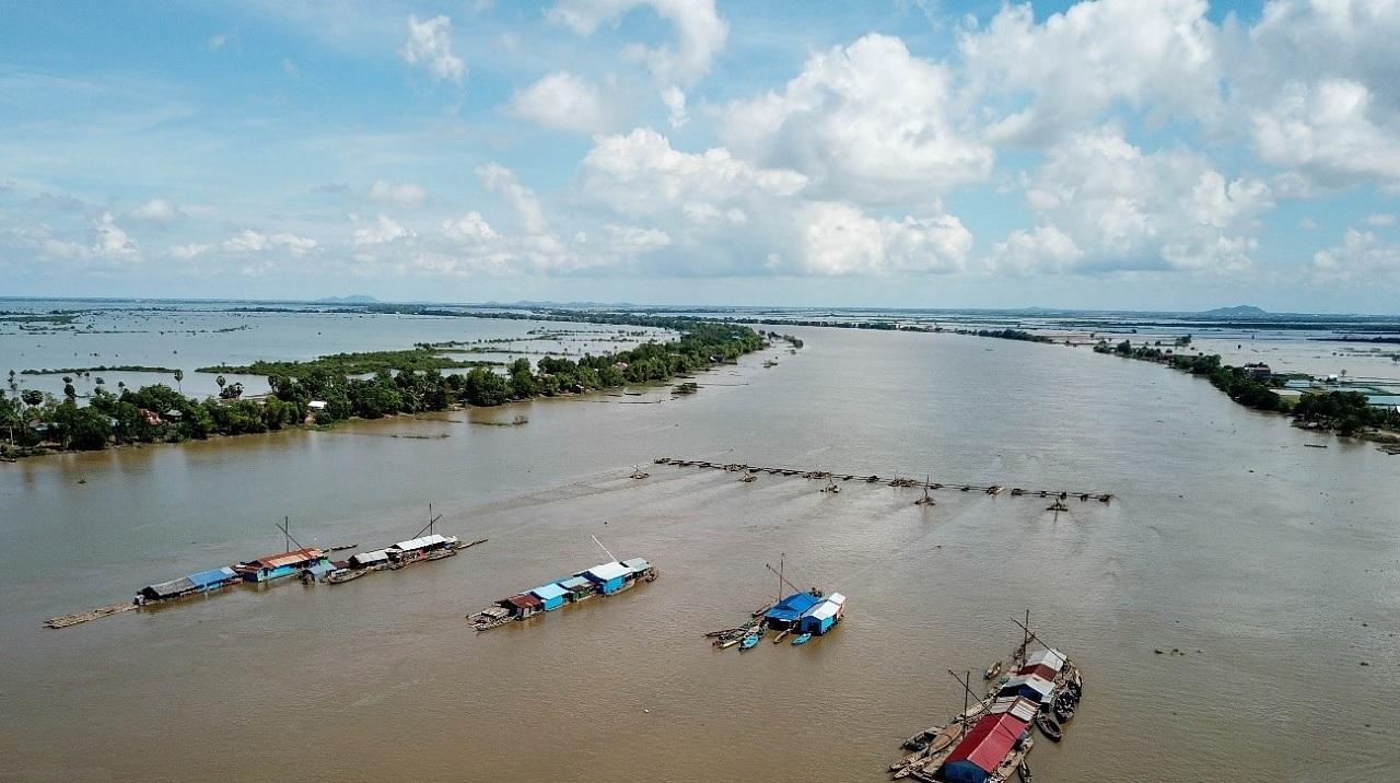 Il fiume Tonlé Sap, il fiume che inverte il suo scorrimento