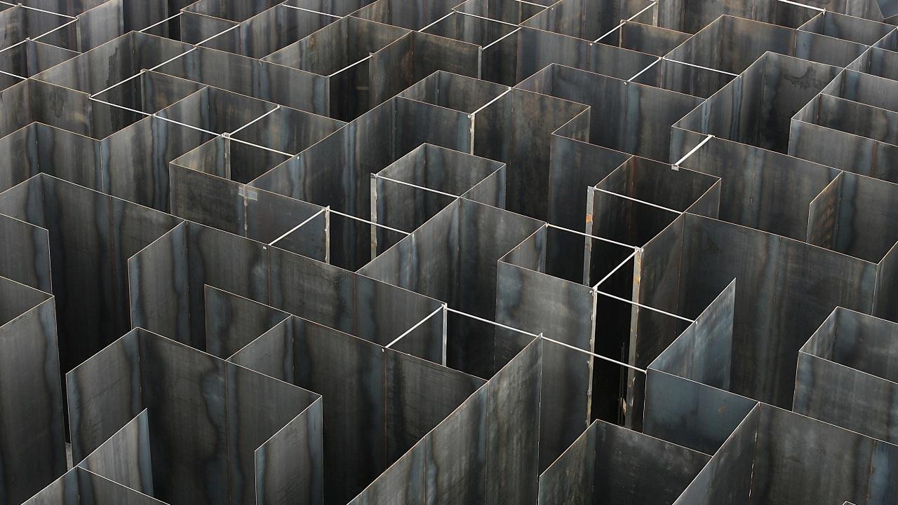 Come si esce da un labirinto?