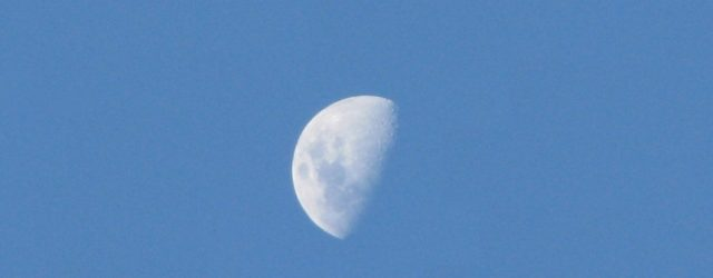 Perché la Luna si vede anche di giorno?