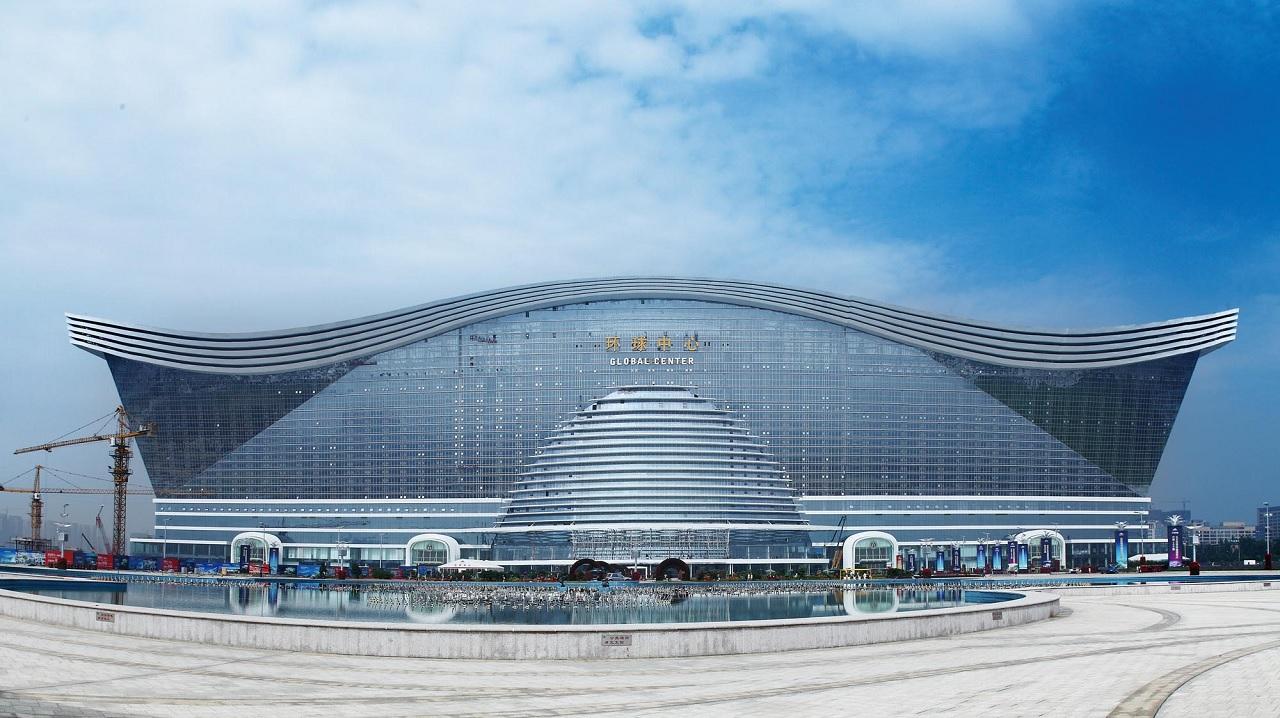 L'edificio più grande del mondo: il New Century Global Centre