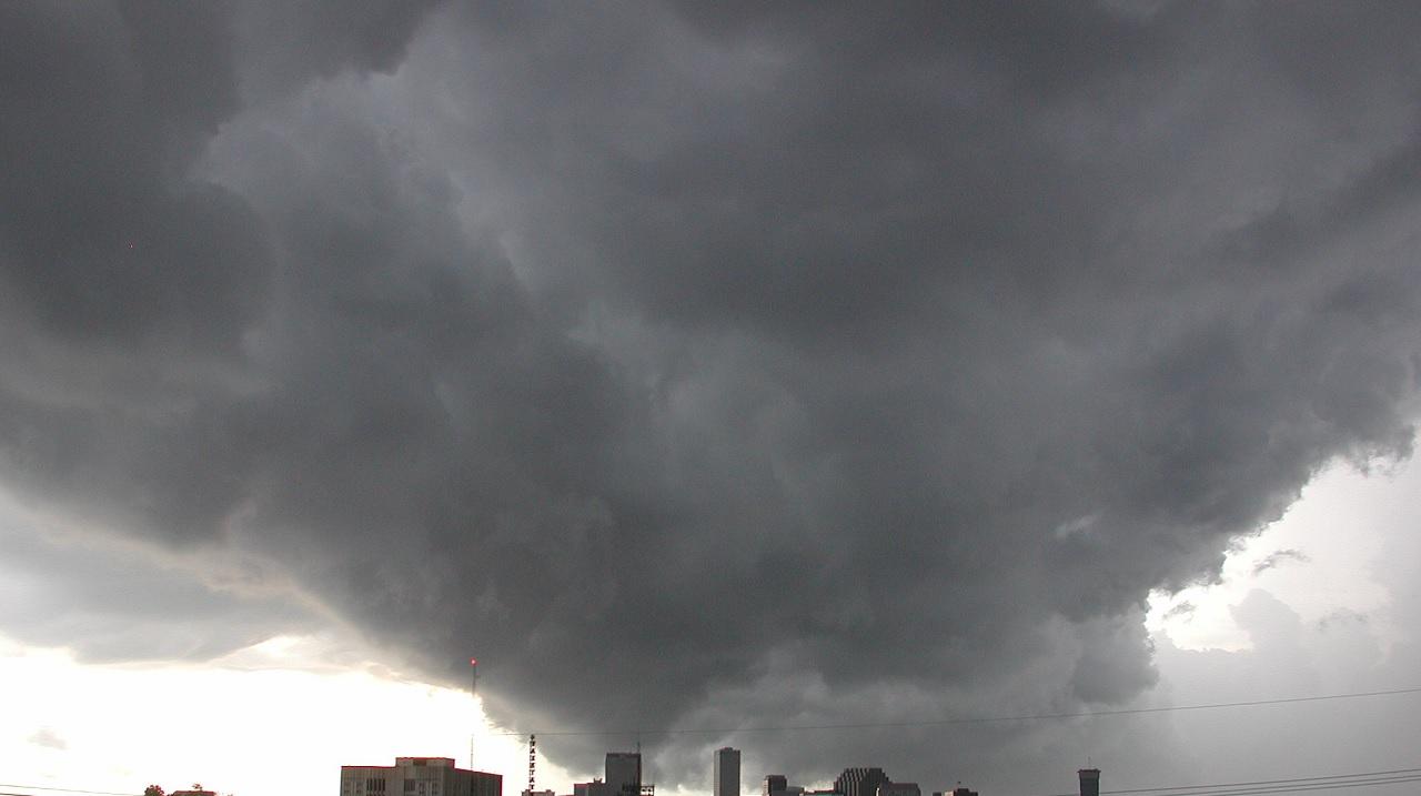Perché le nubi temporalesche sono nere?