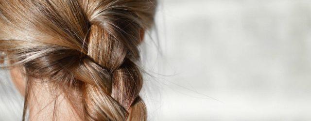Perché i capelli in estate si schiariscono?