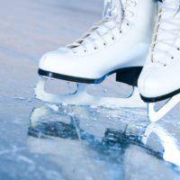 Perché i pattini non affondano nel ghiaccio?