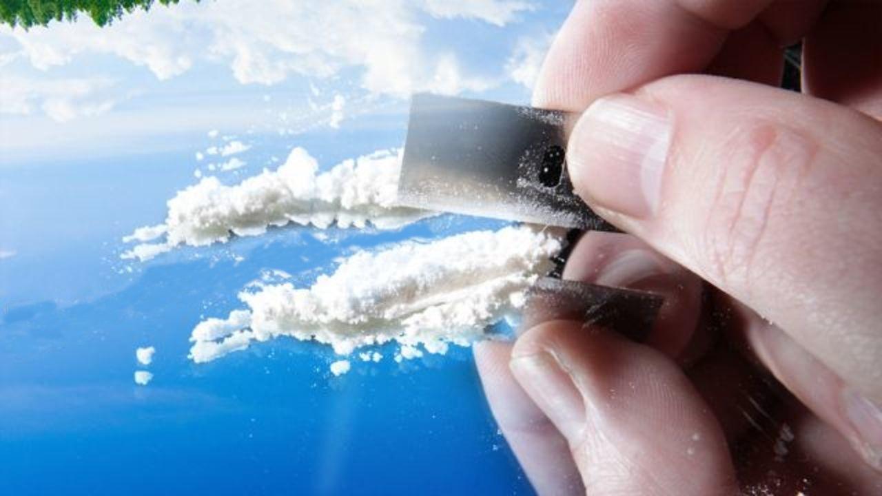 I consumatori di cocaina hanno relazioni sociali migliori?