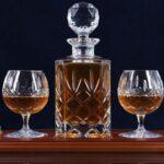 Tenere gli alcolici nelle bottiglie di cristallo è pericoloso?