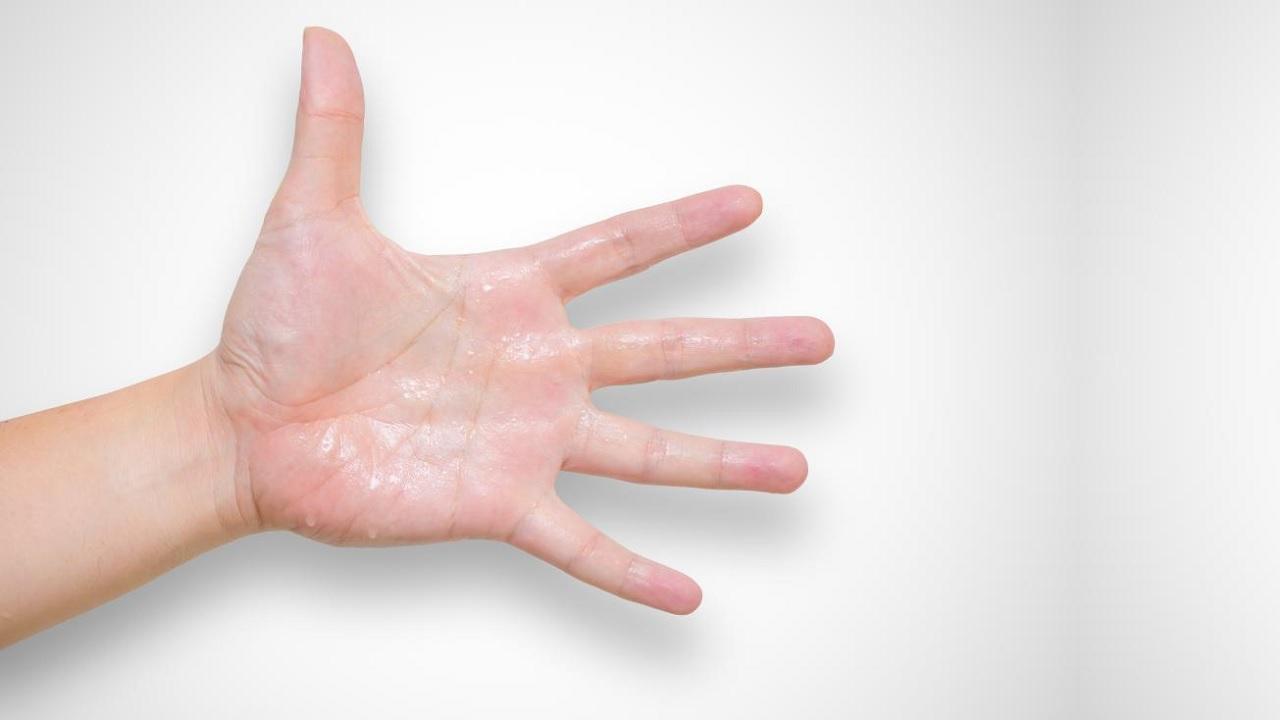 Perché quando siamo nervosi ci sudano le mani?