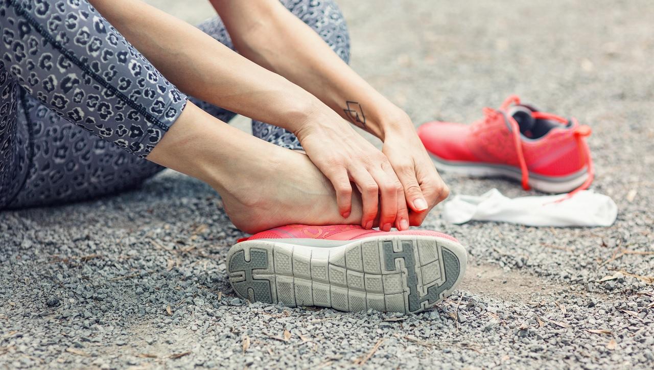 Perché quando sentiamo dolore tocchiamo la parte dolorante?