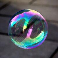 Perché le bolle di sapone sono colorate?