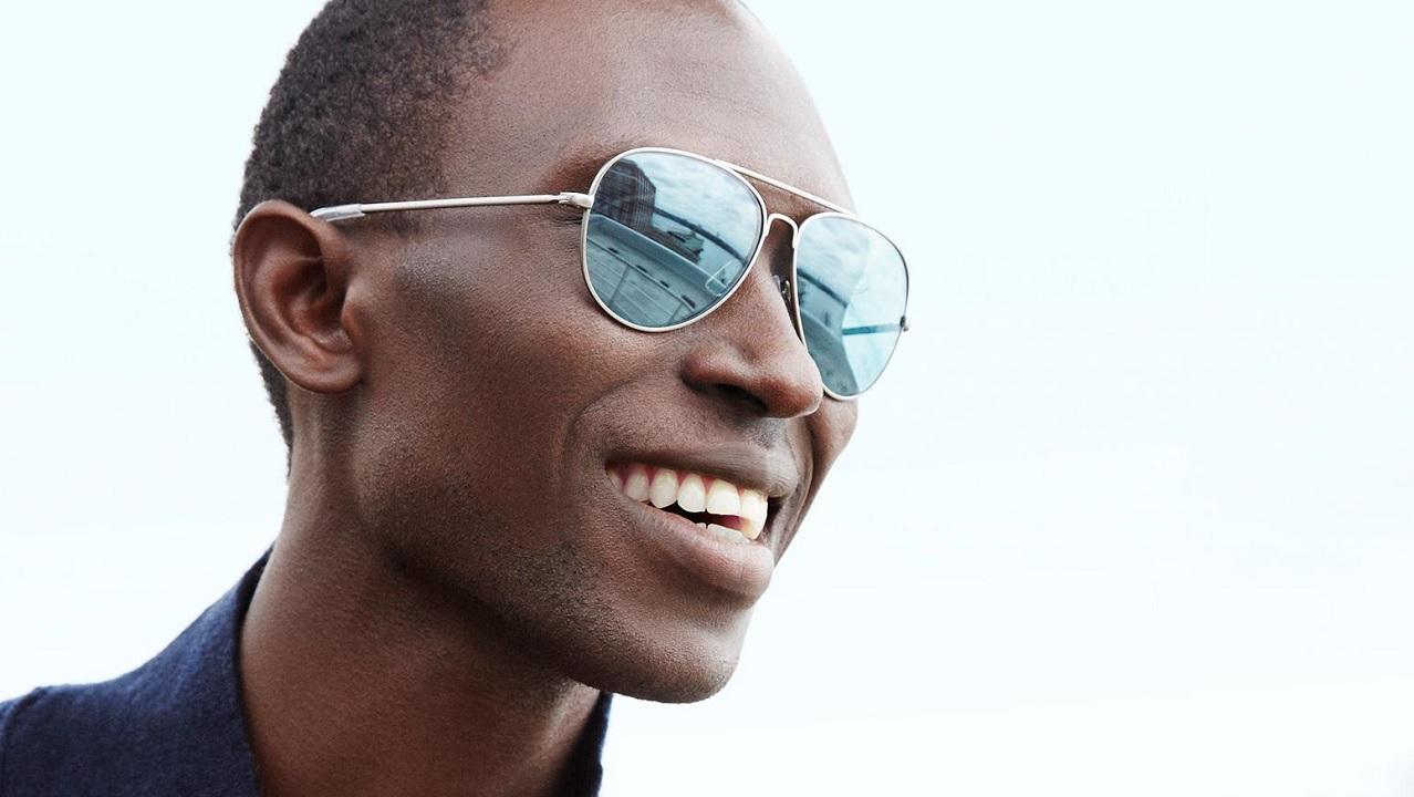 In che modo funzionano gli occhiali da sole?