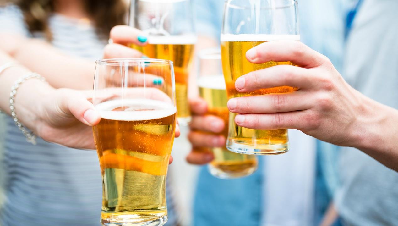 Bere birra fa bene alle ossa, è vero?