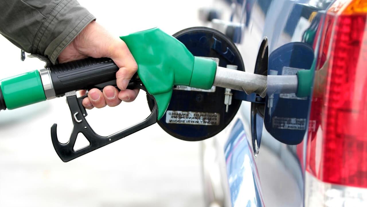 Come fa a bloccarsi l'erogatore della benzina?
