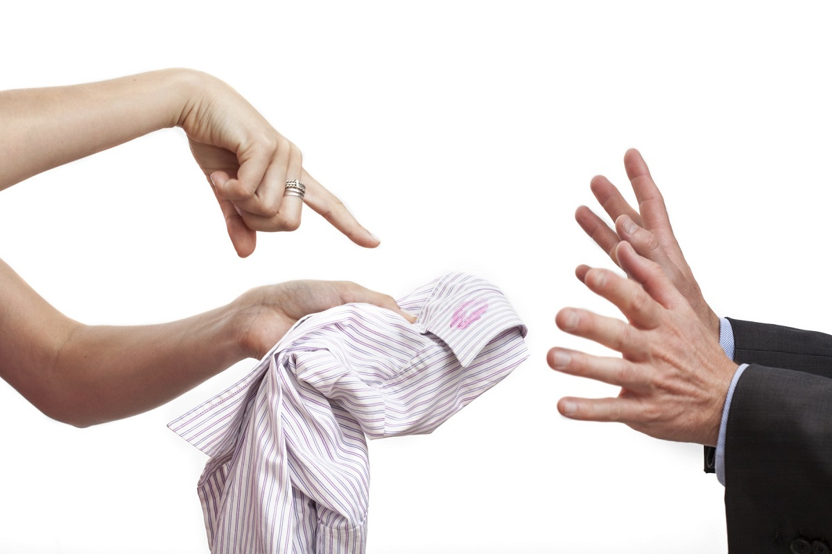 Chi tradisce tende a farlo sempre più spesso?