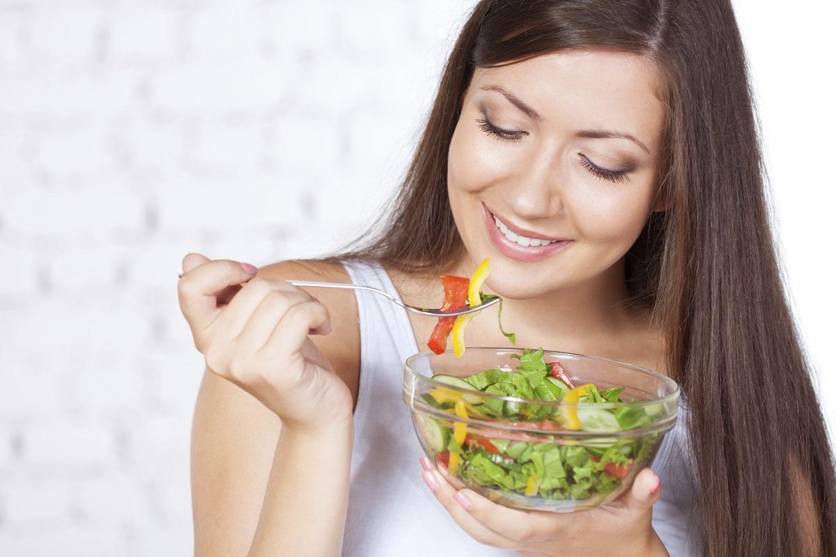 È vero che mangiare lentamente fa bene?