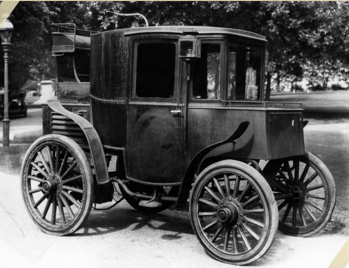 Un auto elettrica nel 1899