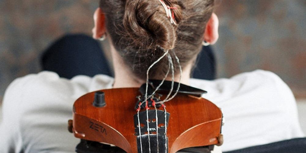 Suonare il violino con i capelli