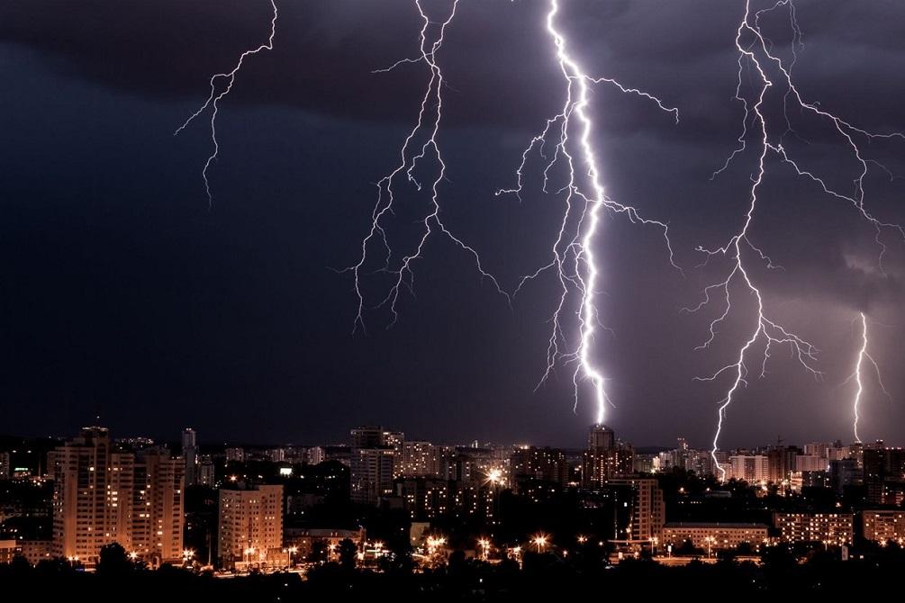 Cosa succede quando si viene colpiti da un fulmine?