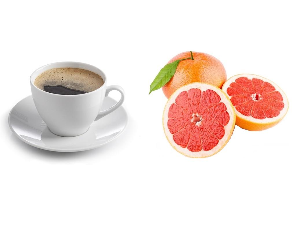 Bere del succo di pompelmo dopo il caffè