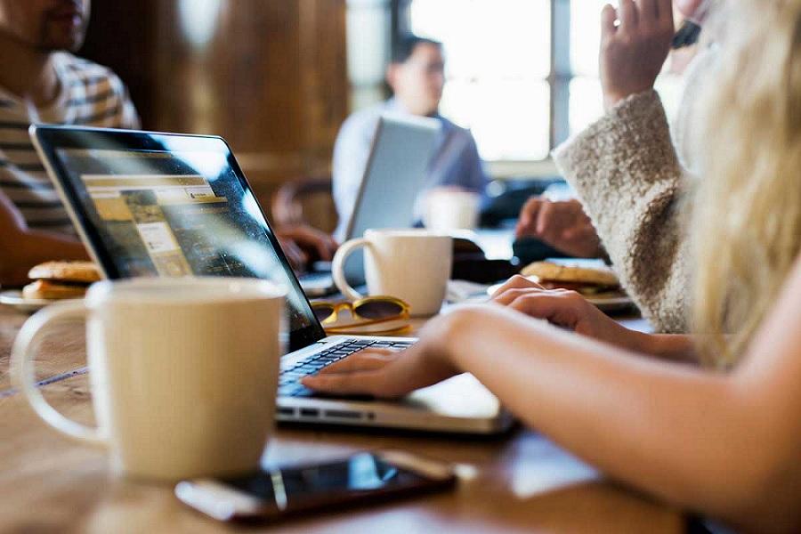 Secondo uno studio studio la coppia che lavora troppo non scoppia
