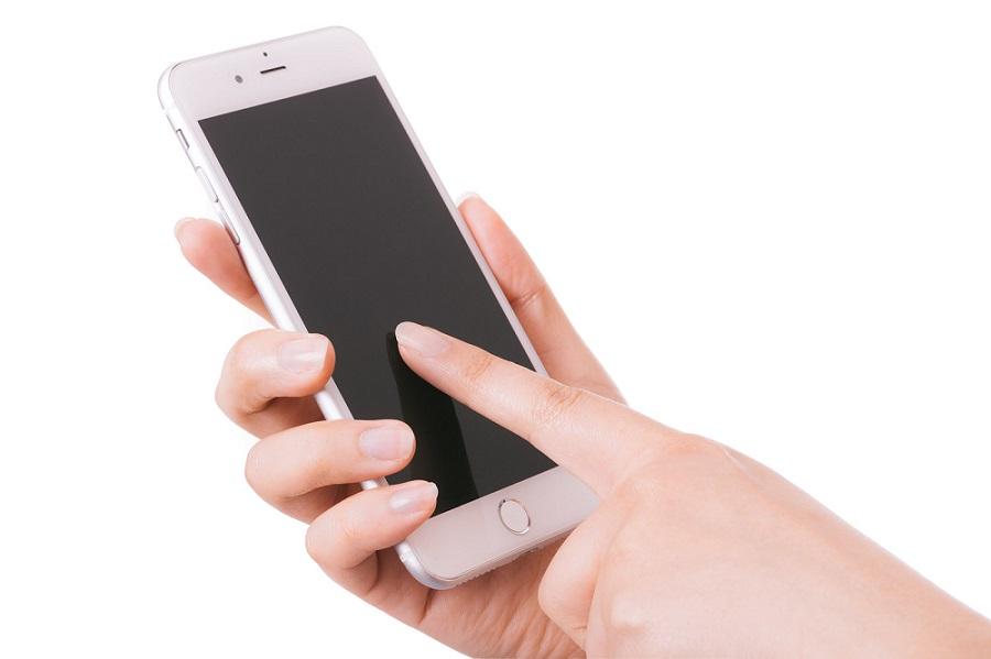 L'utilizzo dello smartphone cambierebbe lo sviluppo di dita e cervello