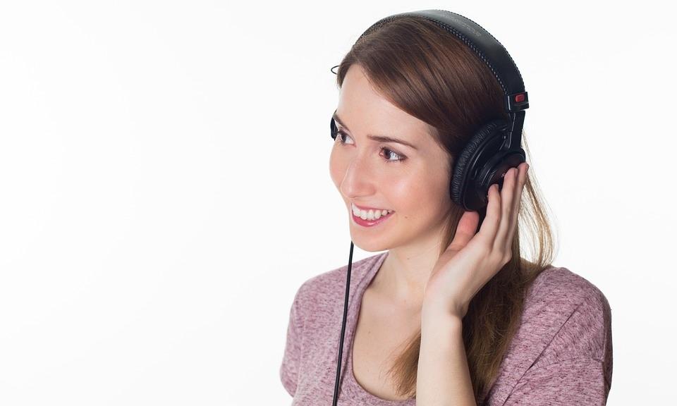 Perché sentiamo la nostra voce diversa rispetto a come la sentono gli altri?