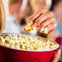 Perché al cinema si mangiano i popcorn?