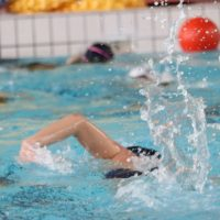 Come nuotare più velocemente?