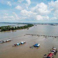 Che cos'ha di strano il fiume Tonlé Sap?