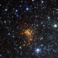 Come fanno gli scienziati a determinare la distanza delle stelle?