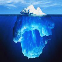 Che cosa fa capovolgere gli iceberg?