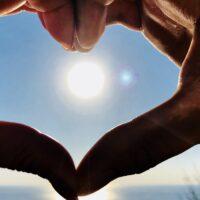 Le donne sono più romantiche degli uomini?