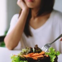 Perché ci stufiamo a mangiare sempre lo stesso cibo?