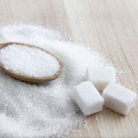 Che differenza c'è tra il comune zucchero bianco e gli altri dolcificanti?